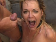 Vidéo porno mobile : This mum squirts all the time
